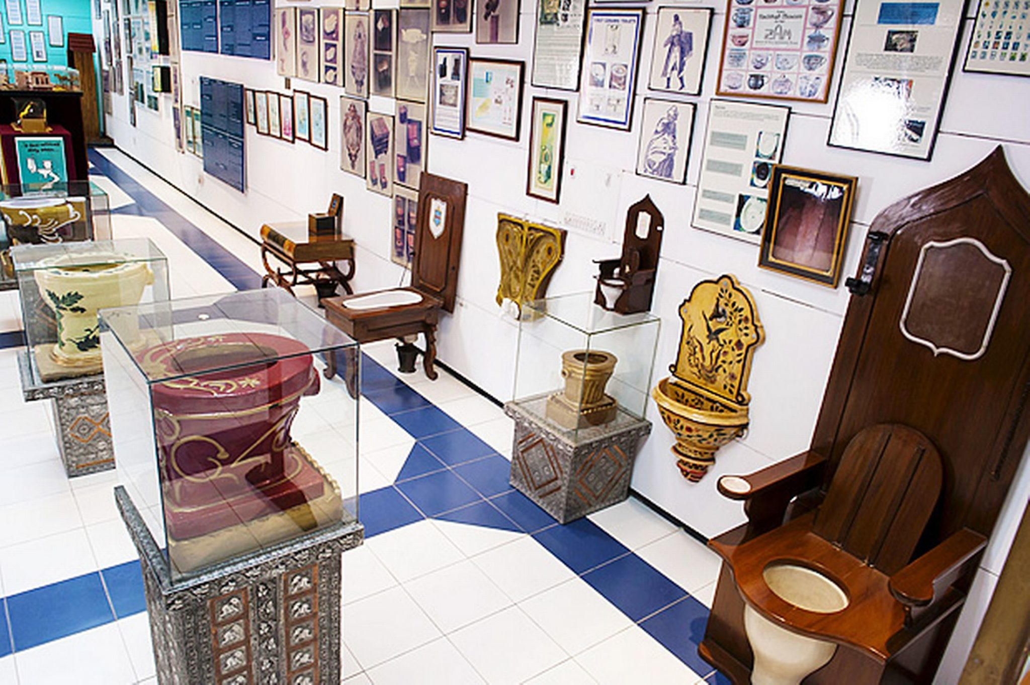 India Has An International Museum of Toilets That Will Steal Your ...