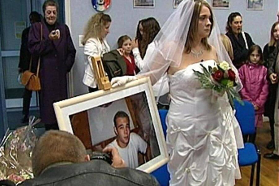 marry a dead person