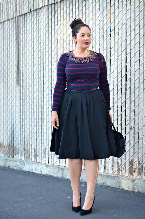 girl with curves fashion blogger